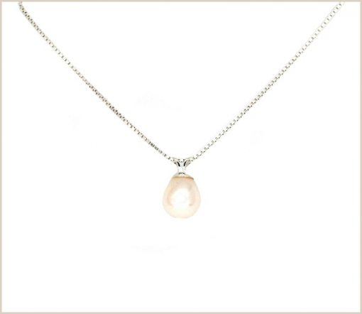 Pearl Pendant with Venetian chain